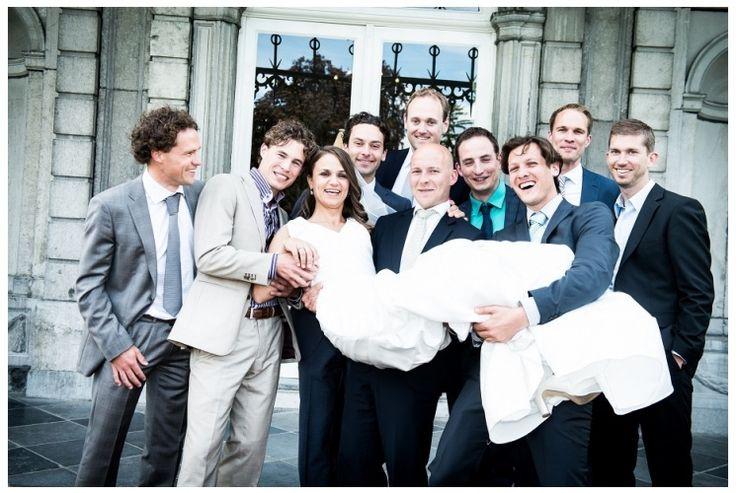Wedding, bruiloft, maastricht, kasteel vaeshartelt, groepsfoto, foto:  www.sjurlie.nl