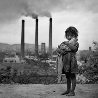 Francesc Catalá-Roca, Factoria y niña, Barcelona.