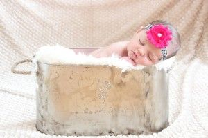 How to take your own BEAUTIFUL newborn photos