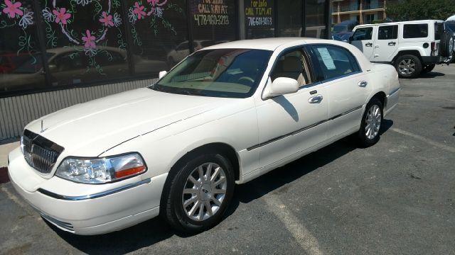 2007 Lincoln Town Car Signature 4dr Sedan **FOR SALE** By J Franklin Auto Sales - 2558 Riverside Drive Macon, GA