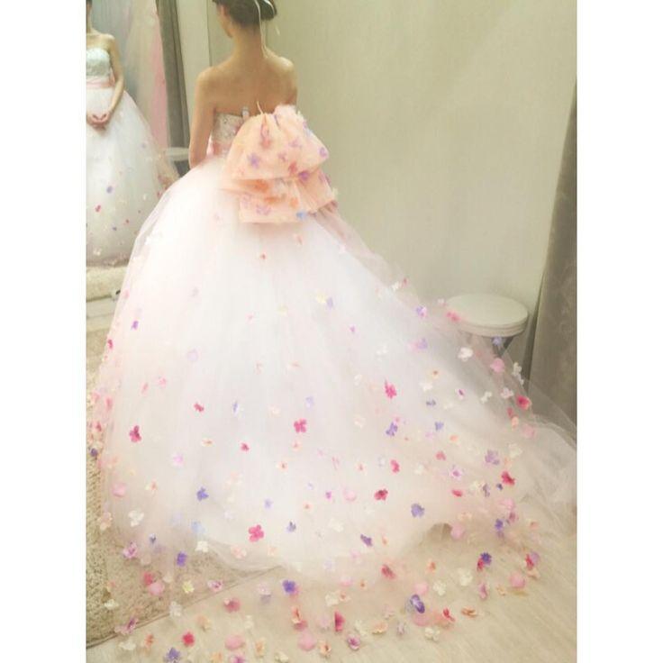 「ピーチピンクから➡︎…色変更ですCDではなくオーバードレス #weddingdress #ウェディングドレス #オーバードレス #フルオーダードレス #ynswedding」