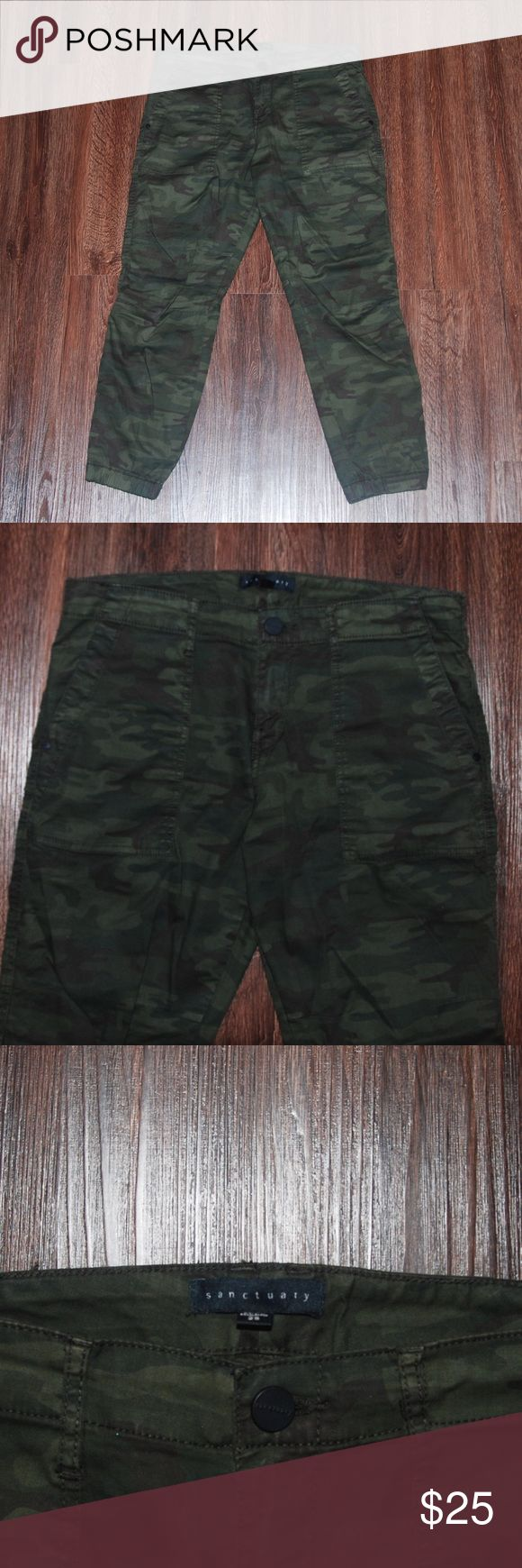 Sanctuary Camo Joggers Camo jogger pants with pockets. The bottoms have elastic and zippers. Sanctuary brand. 98% Cotton, 2% Spandex Sanctuary Pants Track Pants & Joggers