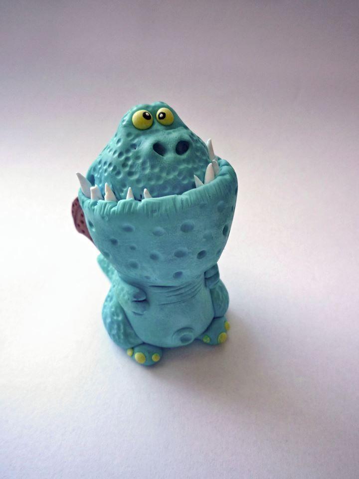 Katka Trtílková - figurka draka z polymerové hmoty podle workshopu od Alessio Busanca