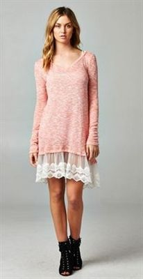 PINK AND LACE TUNIC Perfect spring outfit. Free Shipping on orders over $75 www.alyscloset.com