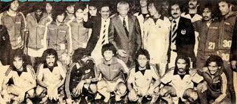 Skuad Olimpik Harimau Malaya 1980, Moscow. Pada awal 1960an hinggalah awal 1980an, bola sepak Malaysia amat disegani. Dalam tempoh tiga dekad itu Malaysia berjaya melayakkan diri ke Sukan Olimpik iaitu pada 1972 di Munich dan 1980 di Moscow dengan barisan pemain seperti M Chandran, Syed Ahmad, Namat Abdullah, Soh Chin Aun, R Arumugam, James Wong dan Hassan Sani.