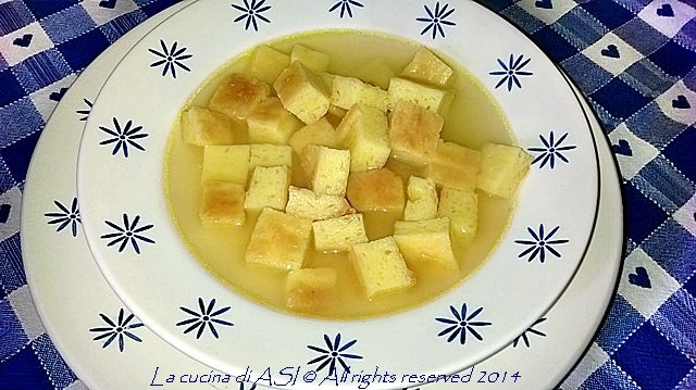 Una ricetta tipicamente emiliano-romagnola oggi: la zuppa imperiale! E devo dire che con il frescolino che è ritornato l'abbiamo gustata con molto piacere! LA CUCINA DI ASI