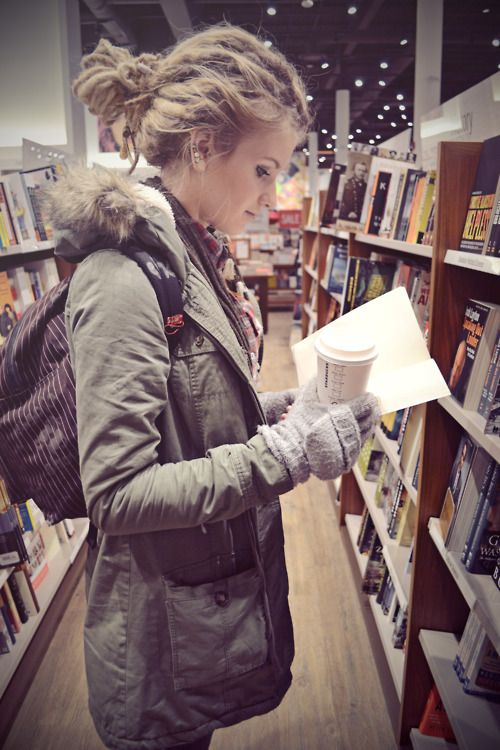 Relaxed dreads. Love her outfit, too! #books #coffee