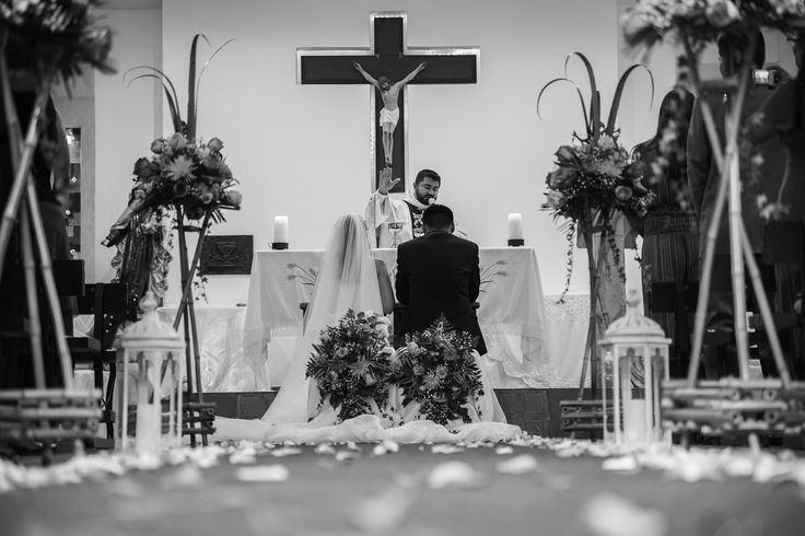 Boda. Novia. Matrimonio.Wedding. Wedding dresses.  Celebration. Unión. Ramo. Liga. Bride. Bridesmaid. Wedding rings. Engagement Rings. Alianza. Hacienda pampalinda. © Emerald Photography
