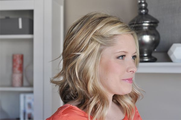 """fold over bang twist - video tutorial! hidden bobby pin, the simple act of hiding that bobby pin with a little section of hair can take your style from """"my bangs didn't cooperate today"""" to """"yeah, I did this on purpose""""."""