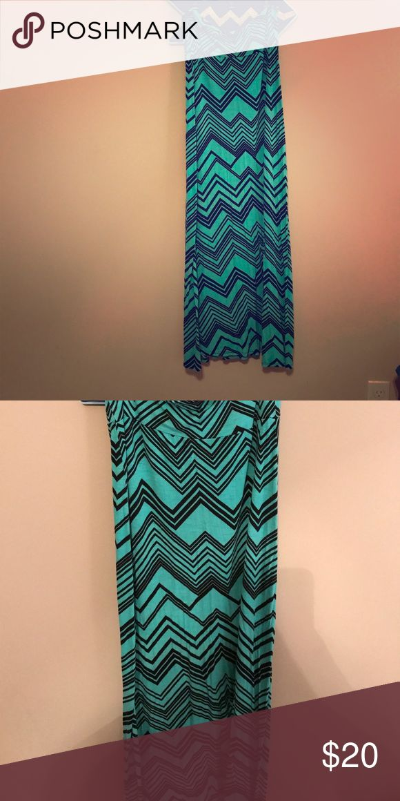 Teal Maxi Skirt Great Condition, perfect for spring or summer!! Skirts Maxi