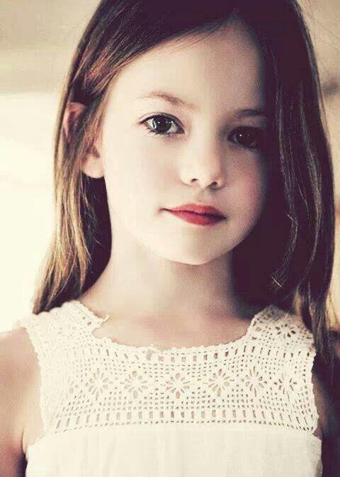 Mackenzie Foy is sooo pretty!! <3