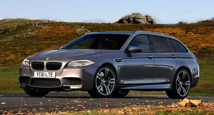 Five Reasons Why BMW Should Return The M5 Touring - http://www.bmwblog.com/2014/11/24/five-reasons-bmw-return-m5-touring/