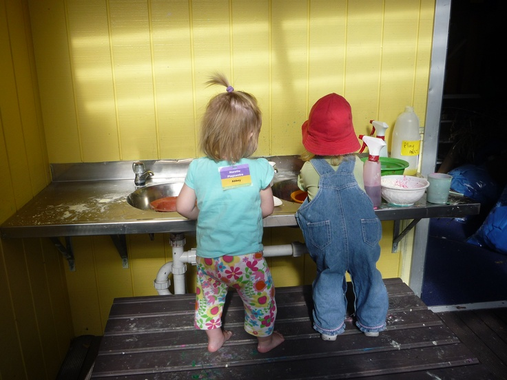 An outside sink for making potions and other important concoctions ... and washing paintbrushes too @ Horotiu Playcentre.