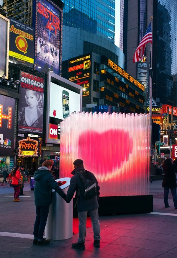 Big Heart NYC by Local Projects. Art installation.
