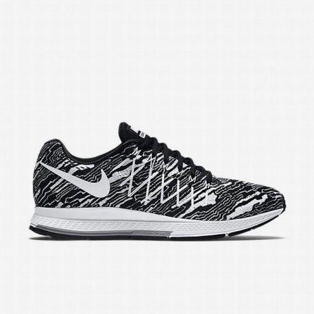 6d41ad325a9 Nike Men s Black Pure Platinum White Air Zoom Pegasus 32 Print ...