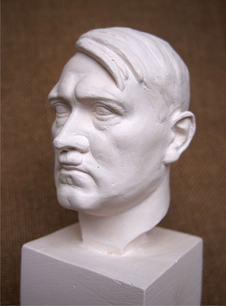 Бюст А. Гитлер. Керамика.