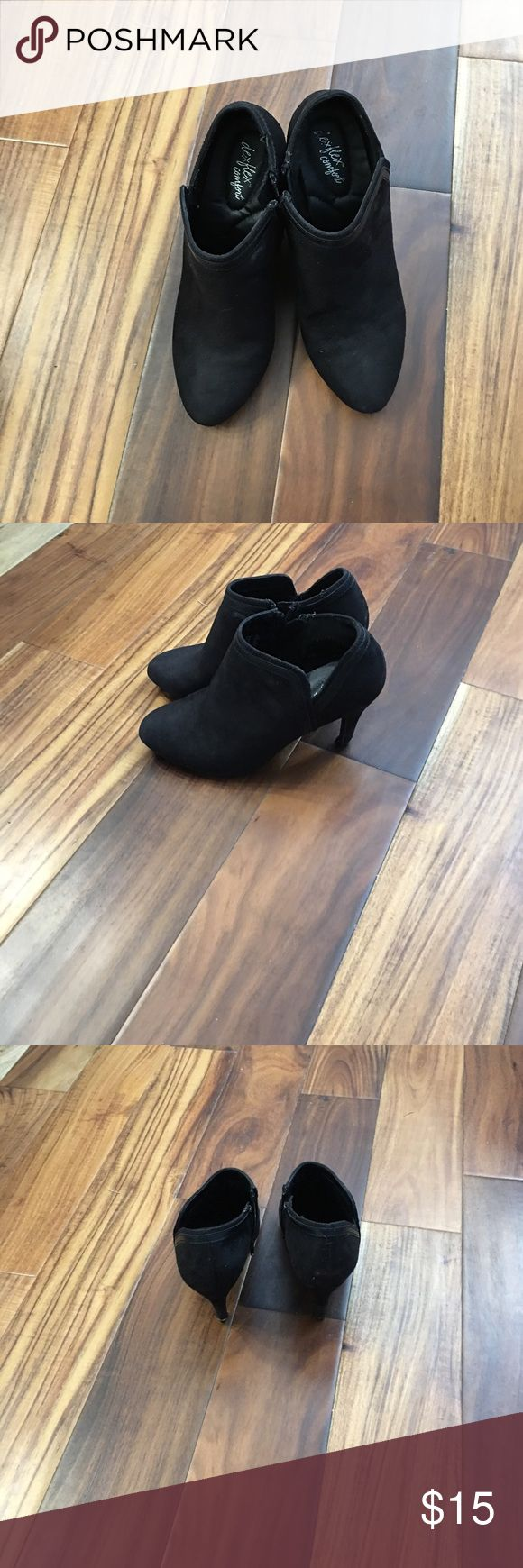 SW flex comfort ankle boots black Good condition little wear show. In pic on heel other than that good condition dexflex comfort Shoes Ankle Boots & Booties
