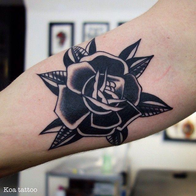 Resultado de imagen de traditional black flower tattoo