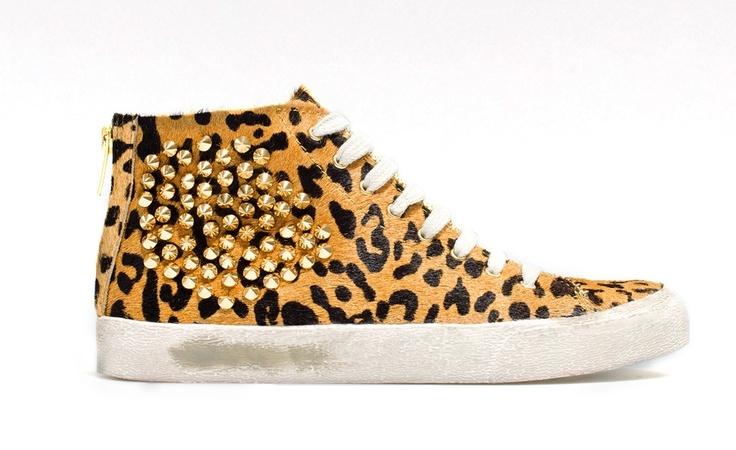 LEOPARD PRINT SNEAKER http://carolinesmode.com/lovesit/art/255754/leopard_print_sneaker/