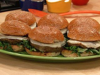 Mediterranean Veggie Burgers with Provolone and Italian Ketchup: Burgers Chick Peas, Recipes Veggies, Ray Veggies, Interesting Veggies, Food, Rachel Ray, Ketchup Recipes, Mediterranean Veggies, Veggies Burgers Chick