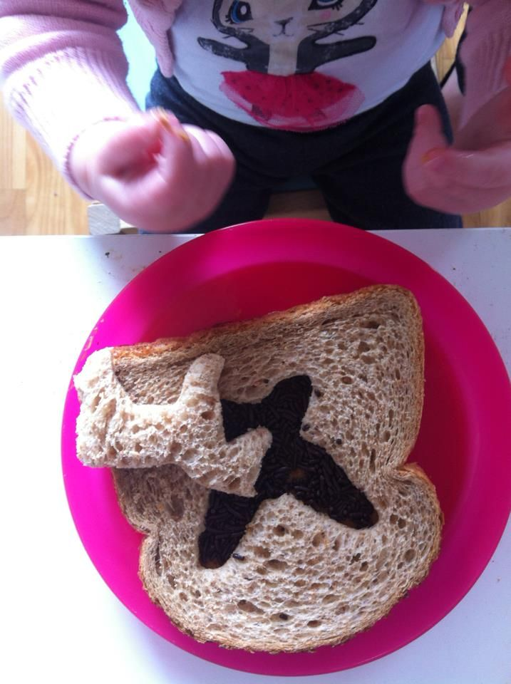 Creative lunch! Dutch bread, stencilled with cooky cutters and filled with a Dutch delicacy: chocolate sprinkles for the bread.