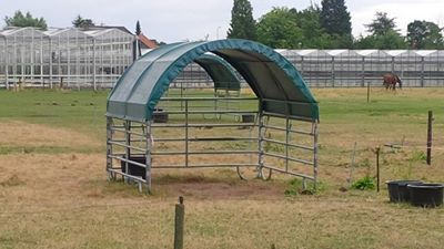 horse shelter - good idea!