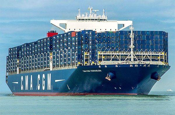 Transportul de mărfuri Mijloacele de transport mărfuri se clasifică în funcţie de calea de comunicaţie astfel: - terestre (auto şi feroviar) - pe apă (maritim şi fluvial) - aerospaţial. Transportul terestru Pentru a fi rentabile, mijloacele de transport marfă trebuie să transporte mai ...