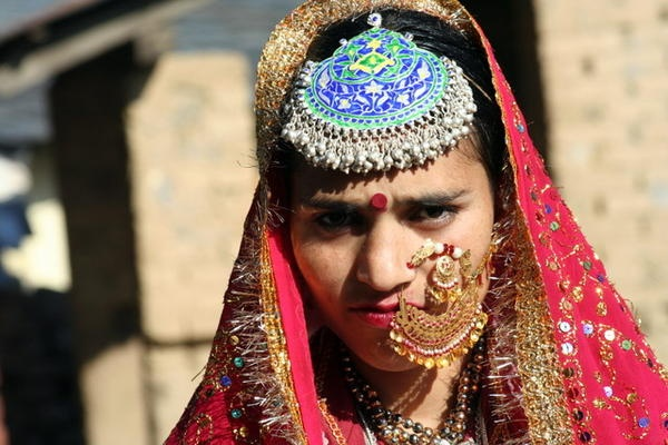 A Bride of the Gaddi Tribe of state Himachal Pradesh - India. Same #nath #nathani #nosering I have and I love it
