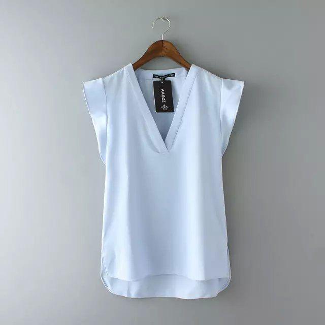 5208995a97 Encontre mais Blusas Informações sobre Mulheres verão sólidos Vneck chiffon  blusas blusa feminina Ruffles manga curta