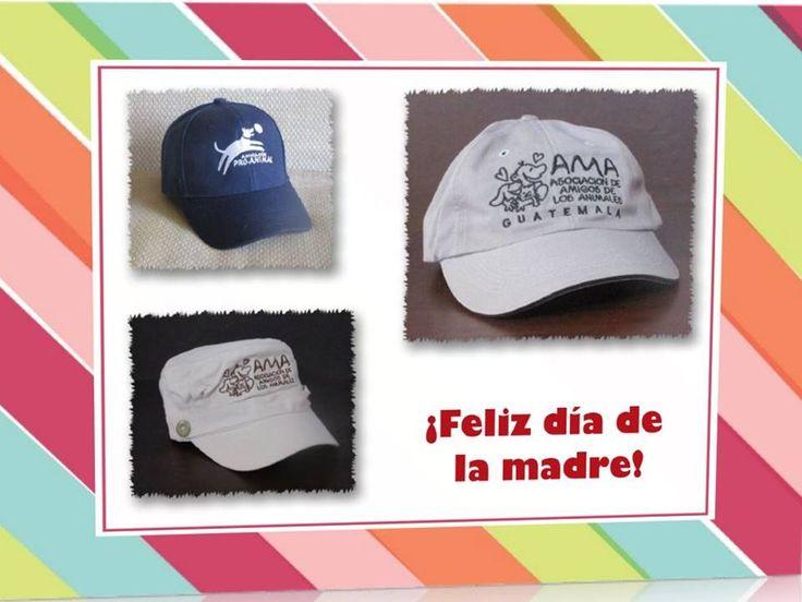 Para regalar a una mamá que ama a los animales: gorras con el logo de tu organización favorita:  Una gorra con el logo de Proanimal, Q40.49, Una gorra beige o azul con el logo de AMA, Q115.80 Una gorra gris con el logo de AMA, Q 104.25  Puedes comprarlas en línea en HELPING FRIENDS (https://helpingfriends-3dcart-net.3dcartstores.com/) y recibirlas por correo en la puerta de tu casa