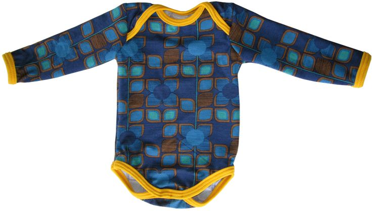 Free sewing tutorial and pattern for sewing a baby onesie. Size 3 months.