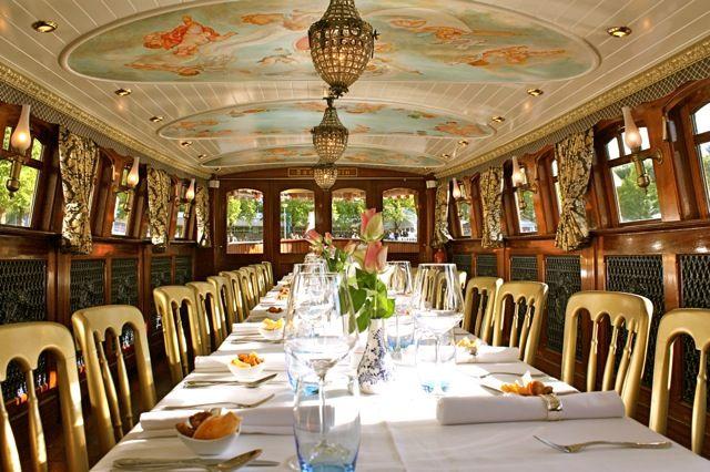 Rederij Cruise with Us | Salonboot Amsterdam | exclusieve rondvaart door de Amsterdamse grachten