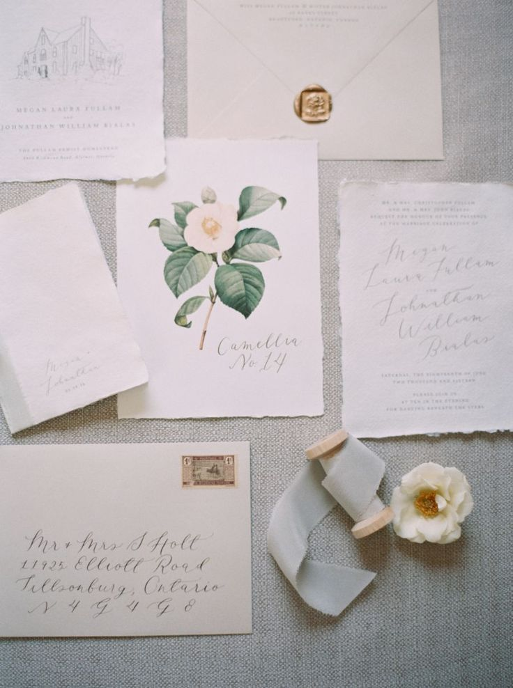 Natural classic wedding invitation paper suite: Photography : Kayla Yestal Read More on SMP: http://www.stylemepretty.com/2016/10/26/outdoor-ontario-wedding/
