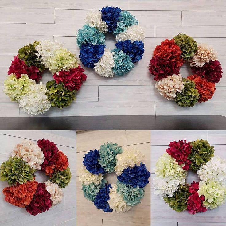 Flower Wreaths  #goldenforrest #goldenforrestcreations #handmade #wreathideas #frontdoordecor #flowers #flowerwreath #spring