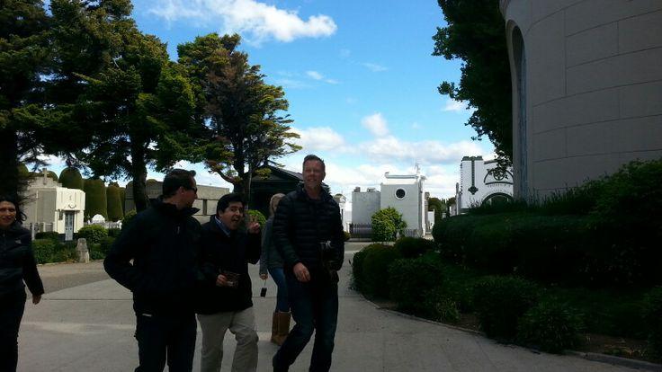 James, vocalista, guitarrista y lider de Metallica, paseando junto a su familia por Punta Arenas, Chile, previo a su concierto en la Antártica