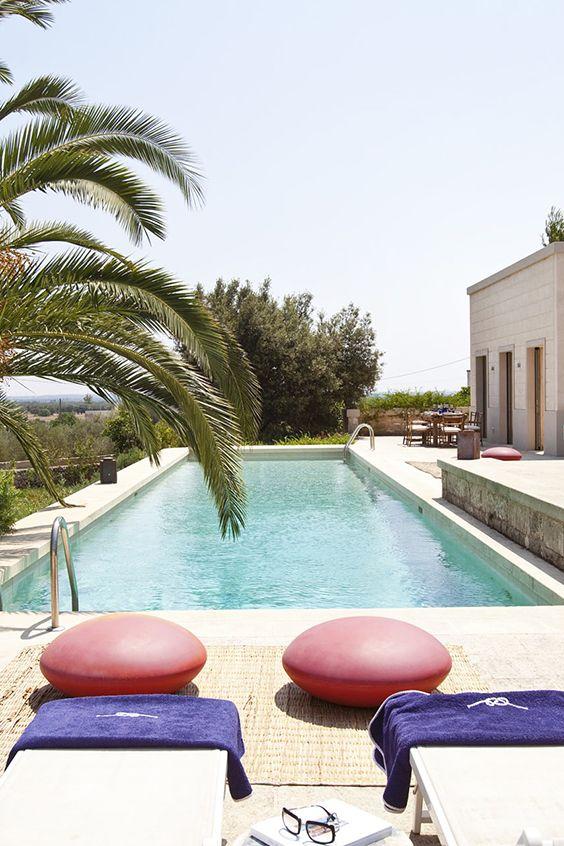 CASA PUGLIA | ITALIEN - Ein Sommertraum mit riesigem Lap-Pool, weitläufigem Garten und innovativem Interior Design