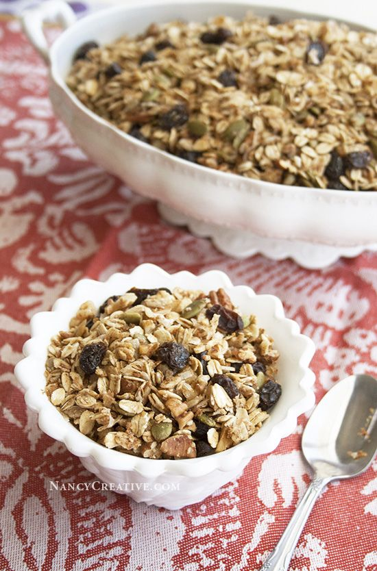 Homemade granola is so good–I started making it a few years ago andI guess you could say I'm hooked on homemade granola! I've made several granola recipes, includingVanilla Almond Granola, Pumpki...