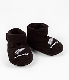 www.nzallblacks.net/All_Blacks_Shop  All Blacks Infant Booties. Now they're cute. Your baby will be snug and warm in these booties. #baby #shopping #rugby