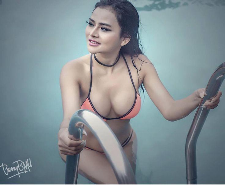 "2,718 Likes, 45 Comments - Sissy Raline#FB16 (@sissyraline.2) on Instagram: ""#safetycanbefun#sexymodel#asiangirl#sexygirl#topmodel#perfecbody#mood#modelsemarang#modelbandung#modelsurabaya#modeljakarta#modelbali#modelmalang#modelmakasar#mua…"""