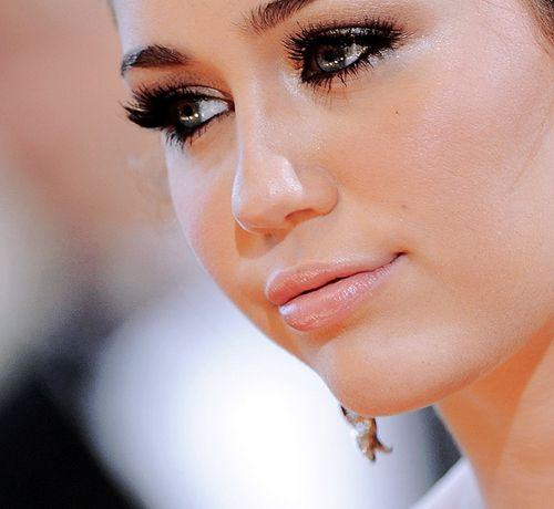 mileySoft Makeup, Soft Eye Makeup, Old Miley Cyrus Makeup, Dramatic Eye, Beautiful, Nature Makeup, Lips, Miley Cyrus Eye Makeup, Bloggers 2013