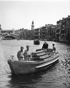 Vintage photo of Coca-Cola delivery in Venice.   www.retroplanet.com