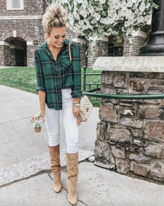 21+ Fall Outfits To Copy This Season: Green plaid shirt, white jeans, nude knee …
