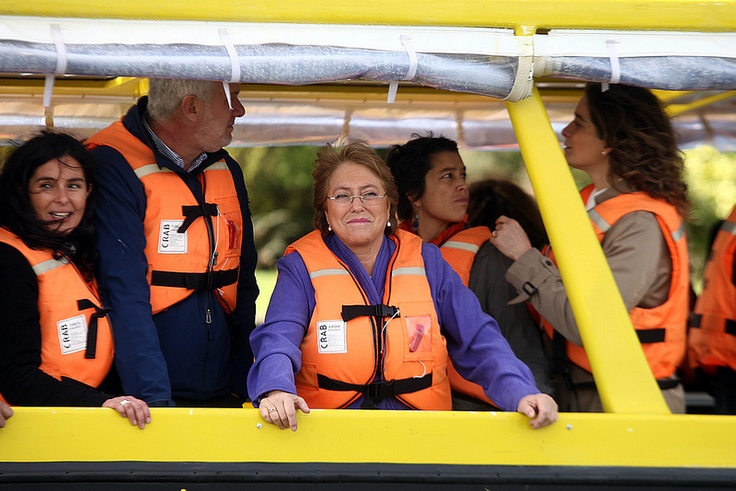 Michelle Bachelet en taxi Fluvial en Valdivia