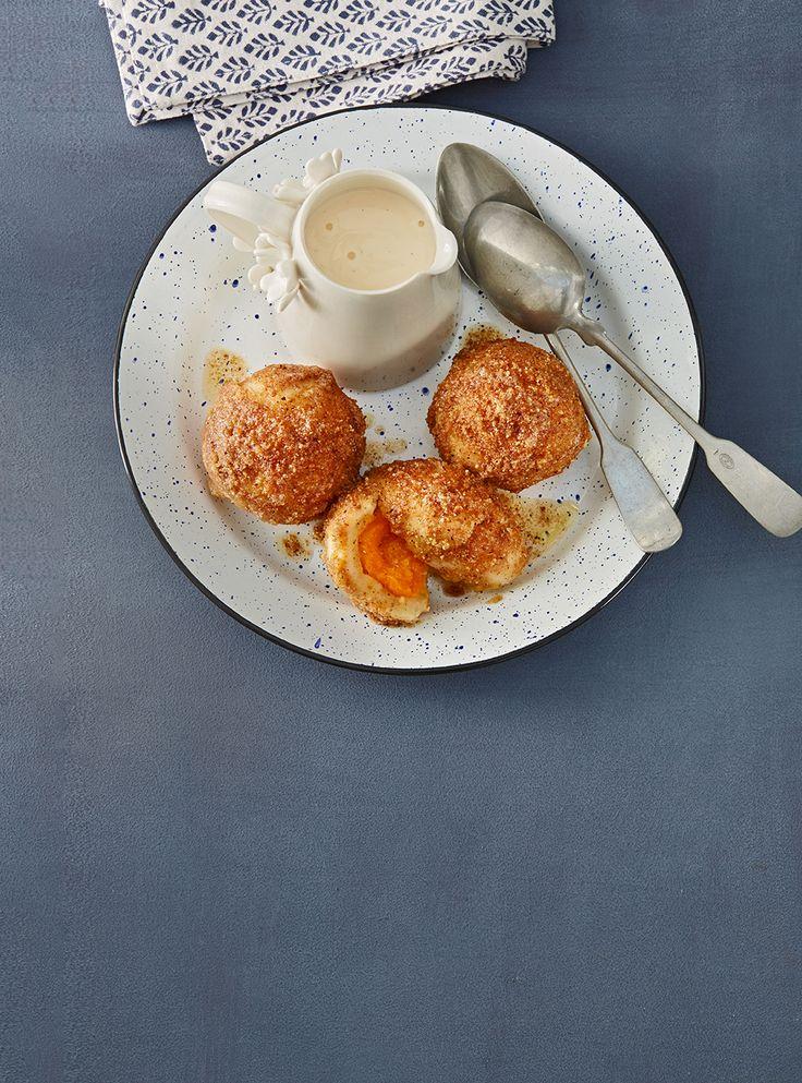 Aprikosenknödel mit Nussbröseln