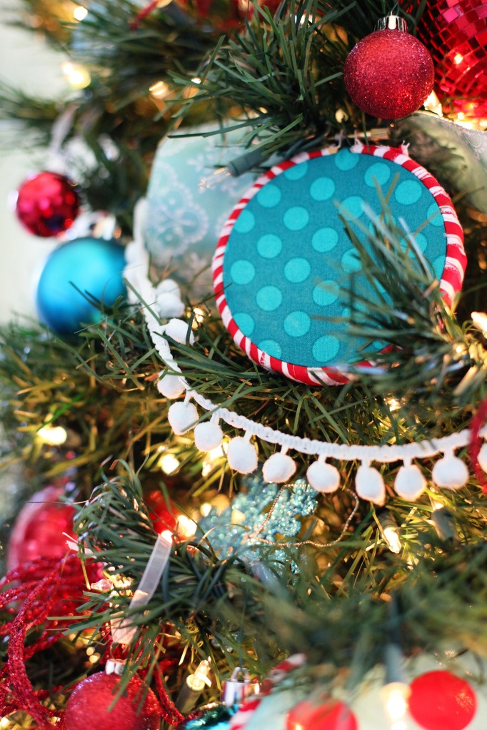 Love the pom pom balls as a tree garland!  {Seuss Christmas Tree from Bower Power}