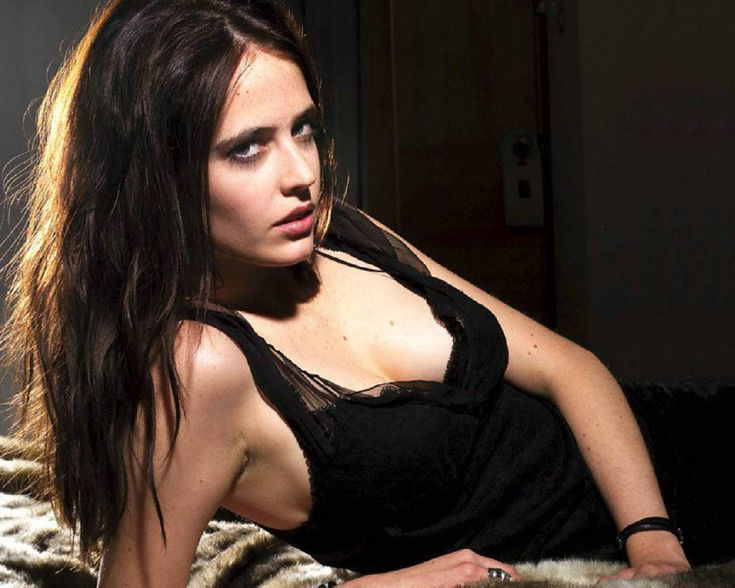 Eva Green: My favorite Bond Girl of all time!!