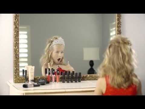 Youniques Moodstruck Opulence Lippenstift (German) (Ab 1. September 2015 verfügbar) Bedecken Sie Ihre Prinzessinnen Lippen mit Youniques Moodstruck Opulence Lippenstift für eine sanfte Farbe welche sich mühelos auftragen lässt vollständige Abdeckung bietet und den ganzen Tag nicht ausfranst. Besorgen Sie Ihre über Ihre Younique Repräsentantin oder rufen Sie http://ift.tt/1agcHPQ ab um eine Repräsentantin zu finden.