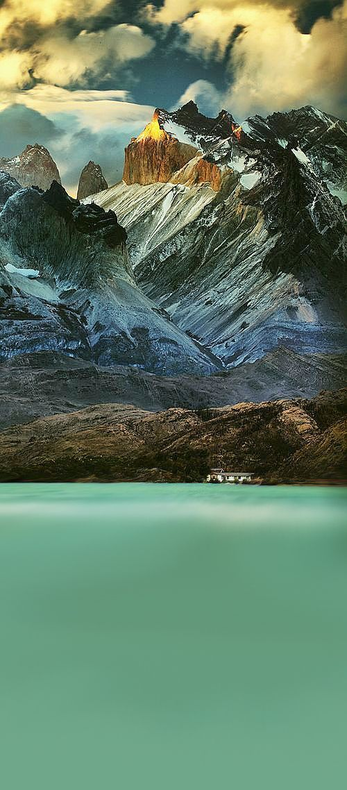 ♥ Living below Los Cuernos, Chile - Marion Faria