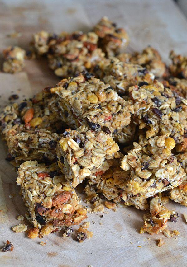 Muesli-koekjes (Gojbessen vervangen door rozijnen, chiazaad door lijnzaad. Resultaat was ook goed van structuur en lekker. Soms is de voorraadkast gewoon niet compleet ;-))
