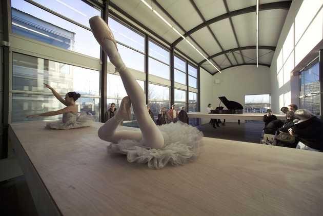 Yael Davids, Musicbox (2003).© Marco Sweering, Museum De Paviljoens